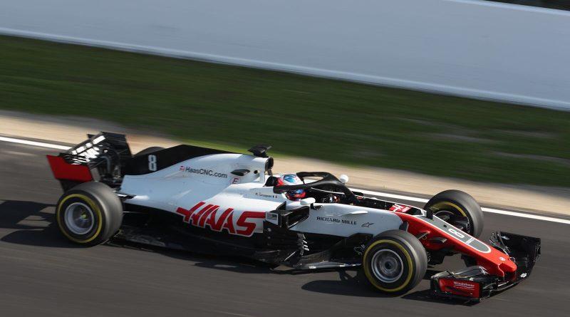 F1: Haas coloca novo carro na pista