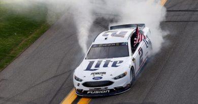 NASCAR Monster Energy Cup Series: Brad Keselowski vence o Advance Auto Parts Clash
