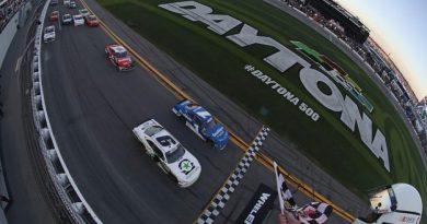 NASCAR XFINITY Series: Tyler Reddick vence prova com cinco prorrogações por 0s000