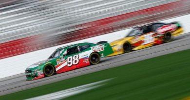 NASCAR XFINITY Series: Kevin Harvick domina em Atlanta