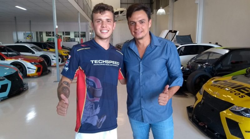 Estreante Bruno Bertoncello com Thiago Marques na sede da Sprint Race