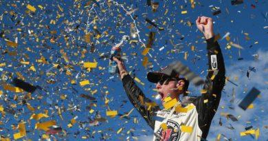 NASCAR Monster Energy Cup Series: Kevin Harvick vence em Las Vegas