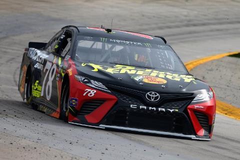 NASCAR Monster Energy Cup Series: Chuva cancela treino e Martin Truex Jr sai na pole em Martinsville