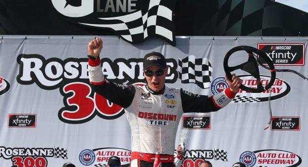 NASCAR XFINITY Series: Joey Logano domina prova no Auto Club Speedway