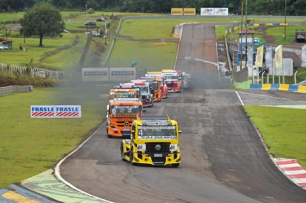 Copa Truck: Cirino e Losacco vencem na abertura da Copa Truck em Cascavel