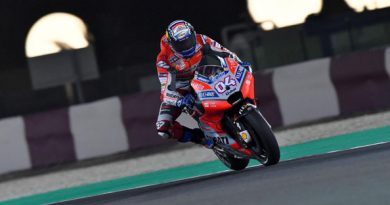 MotoGP: Andrea Dovizioso vence GP do Catar