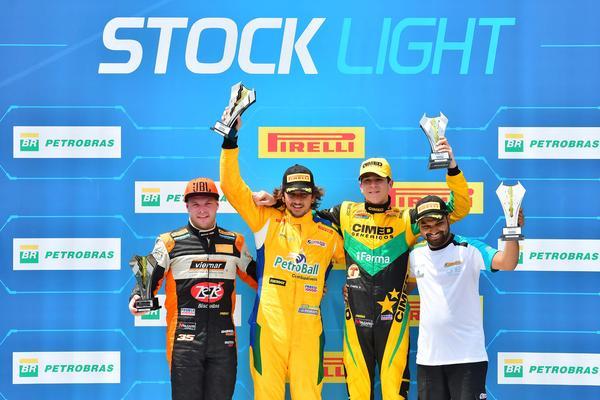 Stock Light: Rosate herda ponta na última volta e vence na Stock Light