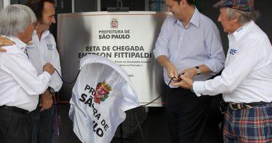 F1: Emerson Fittipaldi dá nome à reta de chegada de Interlagos