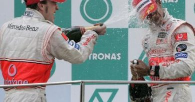 F1: Hamilton é o segundo piloto da Fórmula 1 a estrear com dois pódios seguidos