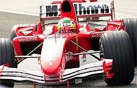 F1: Luca Badoer bate e deixa testes coletivos em Barcelona