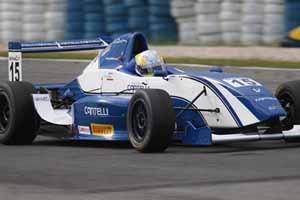 F-Renault: Final de semana ruim para Cantelli Jr. em Tarumã