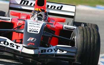 F1: Midland faz mudanças na suspensão e no motor
