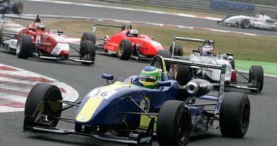 F3 Inglesa: Mineiro corre 'em casa' na pista de Brand Hatch