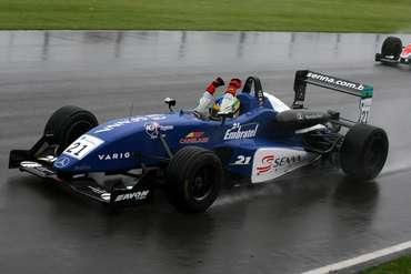 F3 Inglesa: Bruno Senna vence mais uma na Fórmula 3 inglesa