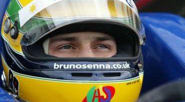 F3 Inglesa: Chuva antecipa final dos testes de Bruno Senna