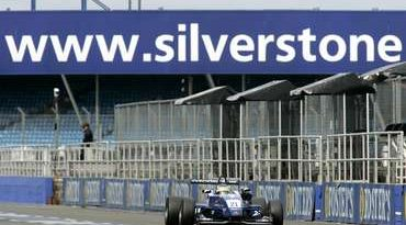 F3: Bruno Senna volta a sair na primeira fila na Inglaterra