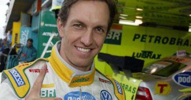 Stock: Luciano Burti marca a pole em Santa Cruz