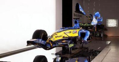 """F1: Carro da equipe Renault é a principal atração da mostra """"F1: A Grande Corrida do Design"""""""