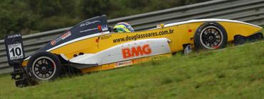 FRenault: Douglas Soares é o mais rápido nos treinos coletivos desta quinta pela manhã