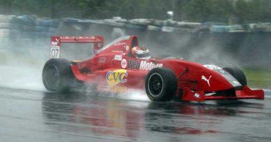 FRenault: Poucos pilotos se arriscaram a acelerar forte na pista encharcada e escorregadia