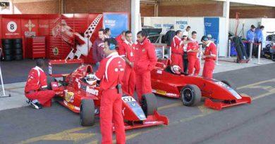 FRenault: Cesário Fórmula lidera e quer levar o título do Campeonato de Imagem