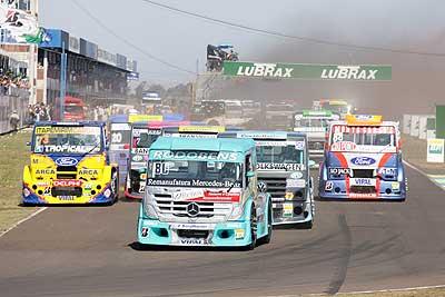 Truck: Piquet exime Zé Maria de culpa pelo acidente em Campo Grande