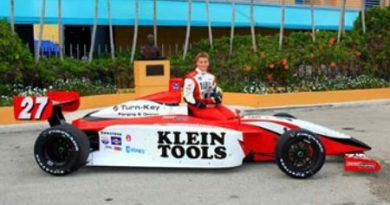 IPS: Klien marca a pole em Kentucky