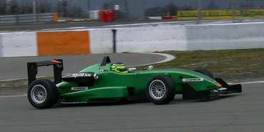 F3 Alemã: Marcello Thomaz satisfeito após teste coletivo