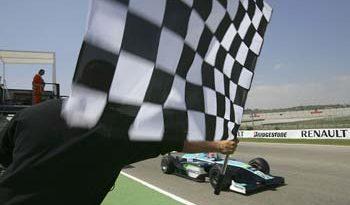 GP2 Series: Nelsinho vence na abertura em Valência