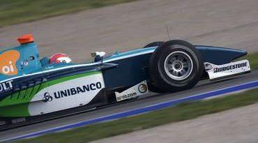 GP2 Series: Nelsinho Piquet ganha terreno em Magny-Cours