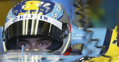 F1: Nelsinho Piquet é o mais rápido no 2º dia de testes em Silverstone