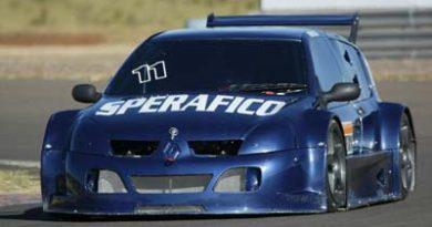 Super Clio: Rafael Sperafico comemora o 2º lugar na abertura da categoria