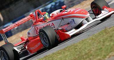 F3: Luiz Razia marca a pole para a etapa de Domingo
