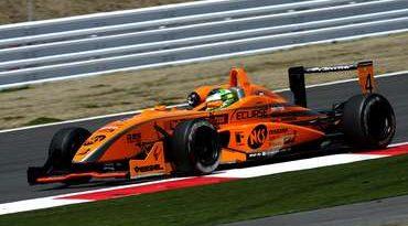 F3 Japonesa: Streit chega em 4º lugar na 9ª etapa em Suzuka