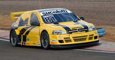 Stock Light: Sucolotti busca melhor acerto para o carro