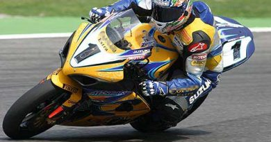 Superbike: Troy Corser marca a pole em Assen; Barros larga em 5º