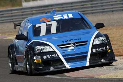 Stock: Valdeno Brito fica na frente no treino livre da Stock Car V8