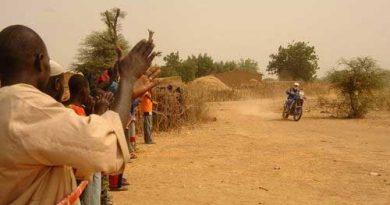 Rali-Dakar: Despres vence nas motos e, graças ao abandono de Marc Coma, agora é candidato ao título