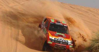 Rali-Dakar: Peterhansel teve pena ao ver carro de Villiers em chamas