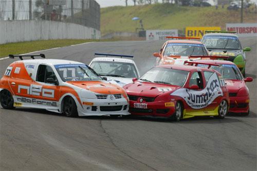 Copa Clio: Acidentes marcam corrida da Neoforma Racing