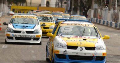 Copa Clio: Pousa vence corrida paralisada por bandeira vermelha