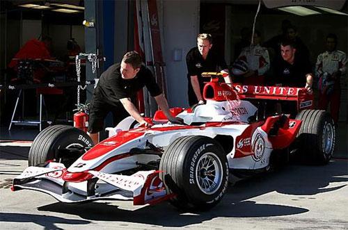 F1: Super Aguri lança o SA07. E desdenha de rivais