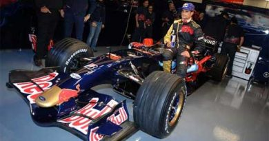 F1: Toro Rosso apresenta o STR2, cópia do RB3