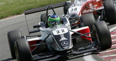 F3 Inglesa: Alberto Valério conquista dois pódios em Snetterton