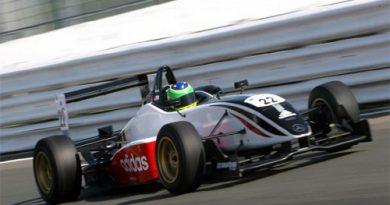 F3 Inglesa: Asmer busca título e Valério quer a primeira vitória na categoria