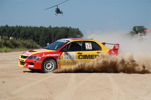 Rally: Édio Fuchter e Lelo Perdigão vencem na abertura do Campeonato Brasileiro de Rali de Velocidade