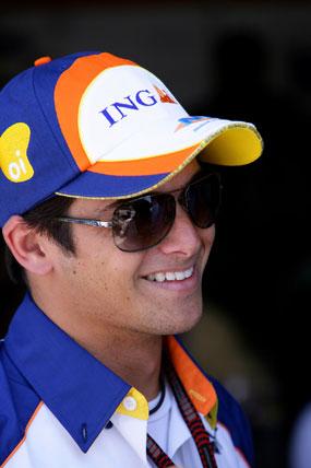 F1: Nelsinho Piquet testa com Renault na Espanha e recebe elogios da equipe
