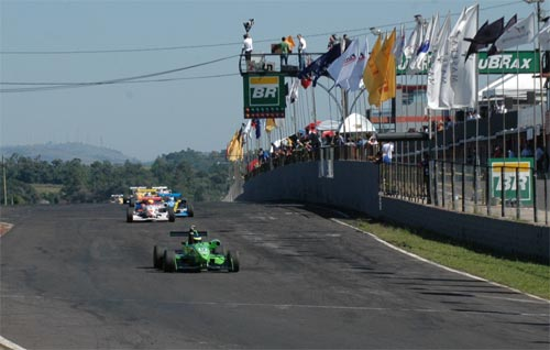 F3 Sulamericana: Geovanni Cerutti vence novamente e assume a vice liderança