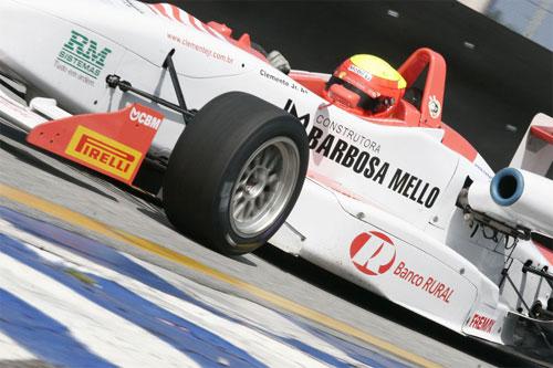 F3 Sulamericana: Clemente Jr. marca mais uma pole em Interlagos