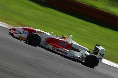 F3 Sulamericana: O paulista Felipe Ferreira sofre com problema de embreagem e termina em sexto
